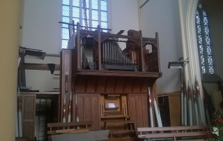 The partly dismantled organ